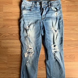 American Eagle distressed crops